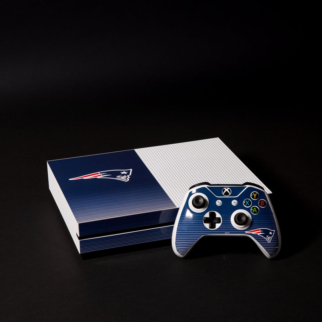 New England Patriots Breakaway Xbox One S Console And Controller Bundle Skin Shop Now At Www Skinit Com Skinitmad Patriotic Bedroom Patriots Xbox One Console