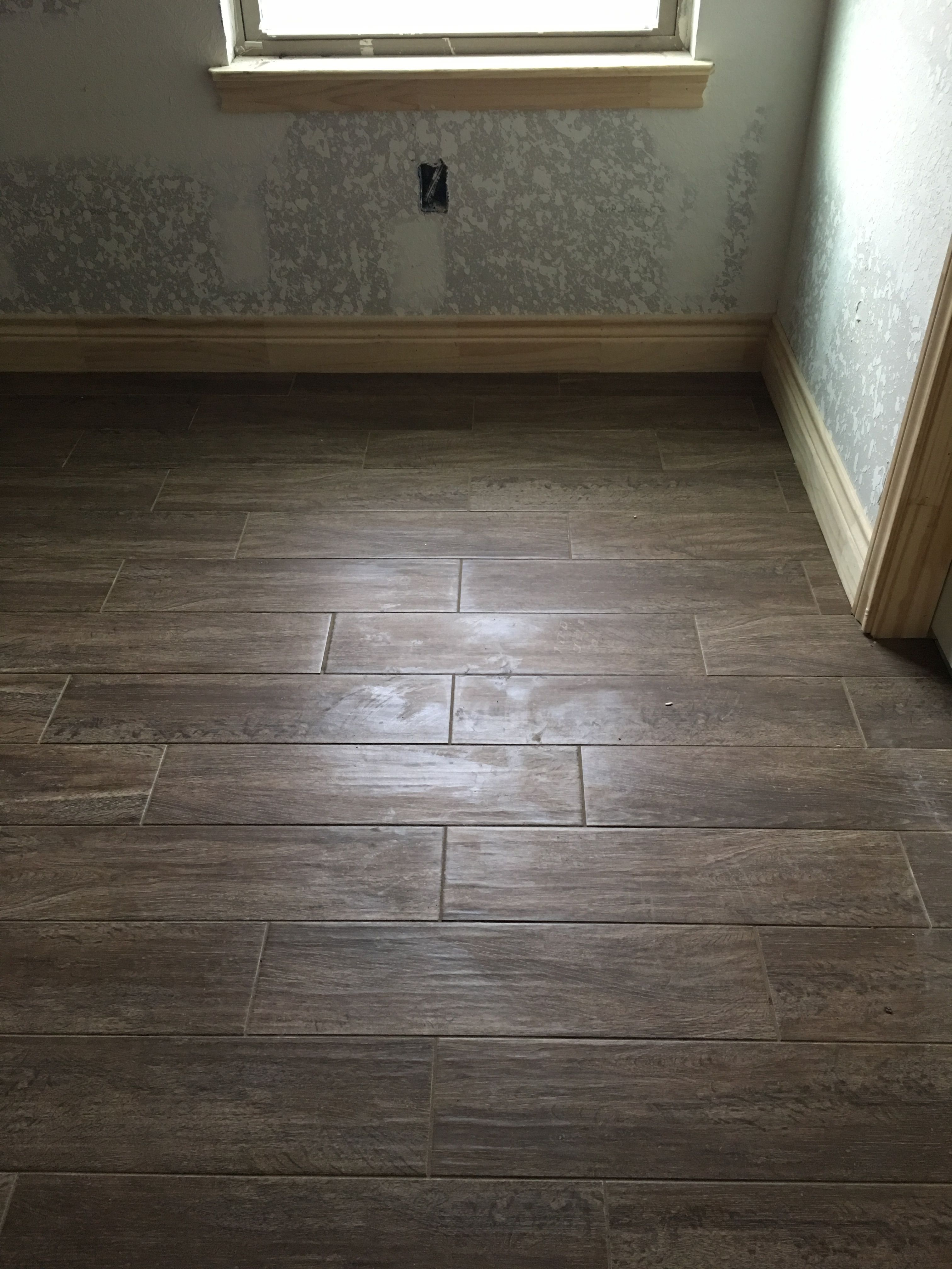 Emser Woodwork Eugene 6 X 24 W Texrite Chromaflex Grout Sahara Brown 1 8 Grout Lines House Flooring New Homes Emser