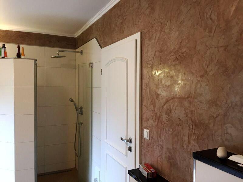 Wande Im Badezimmer Mit Stucco Veneziano Verschonern Https Www Stucco Naturale Com Marmoroptik Edel Badezimmer Stucconaturale Badezimmer Wohnen Zimmer