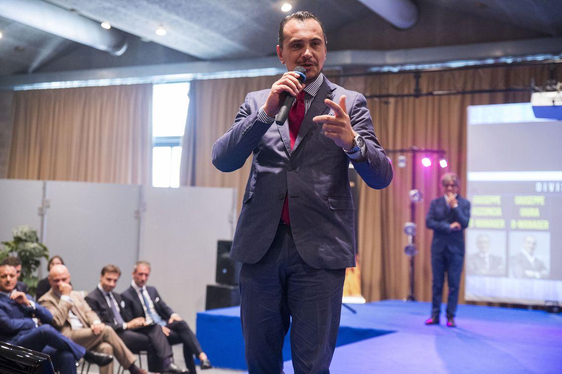Giuseppe Giura, Business Manager W55