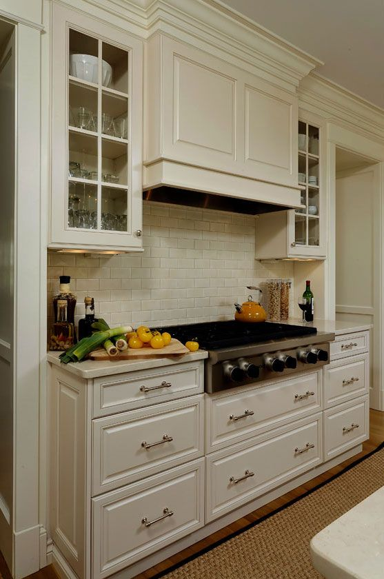 Like Hood Over Range With Glass Front Cabinets Flanking Hood. Like How Hood  Protrudes To Provide Dimension And U0027hideu0027 Vent.