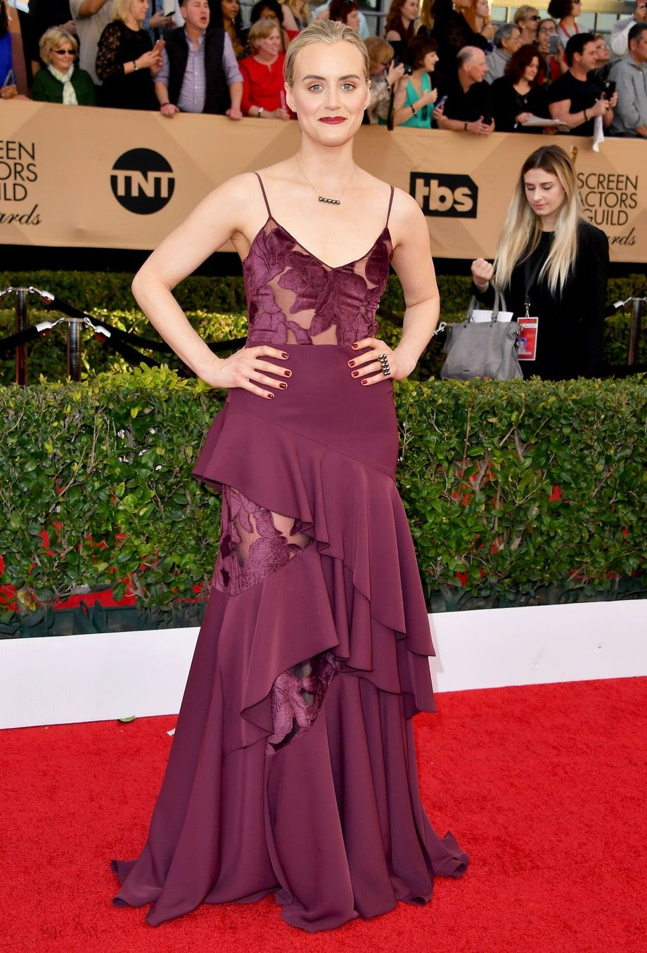 Taylor Shilling in an ugly nightgown-like dress at the 2017 SAG ...