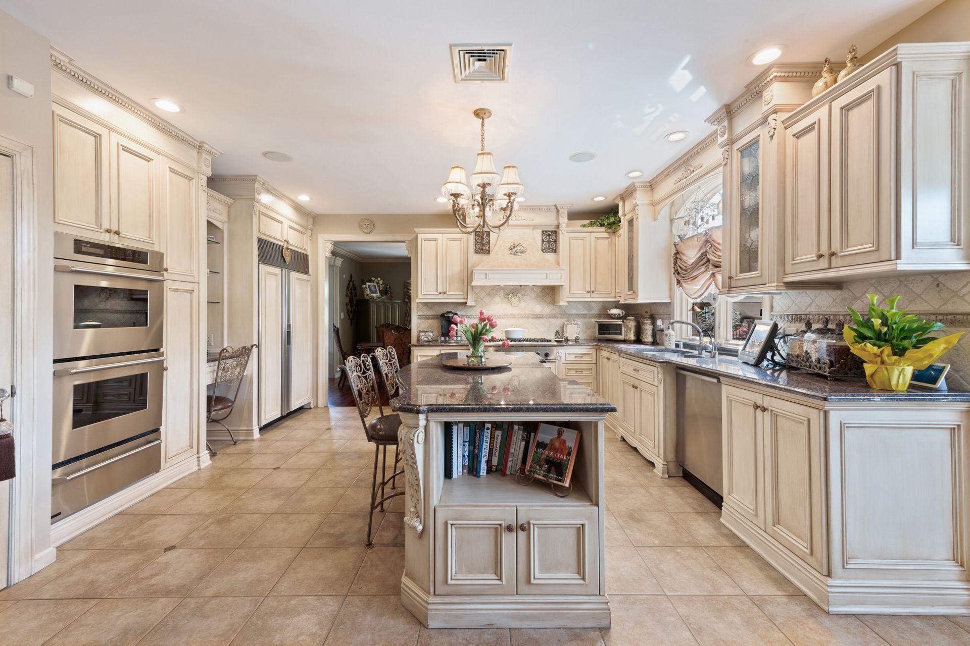 25 Ottavio Promenade Staten Island Ny 10307 Mls 1128393 Interior Design Kitchen Kitchen Design Built In Bookcase