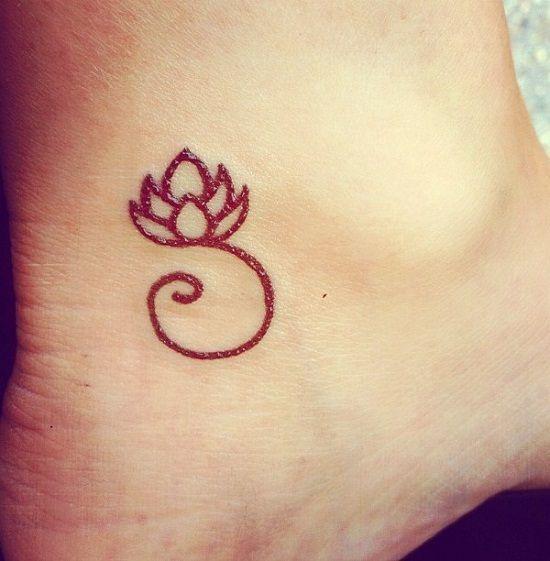 Piccolo Fiore Di Loto Tatuaggi Tattoo Ideas Zone Simple Lotus Tattoo Tattoos Small Tattoos