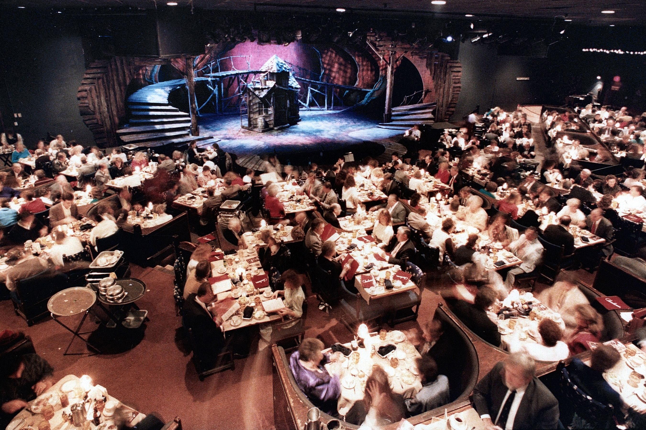 The Chanhassen Dinner Theatre Is The Nations Largest Dinner