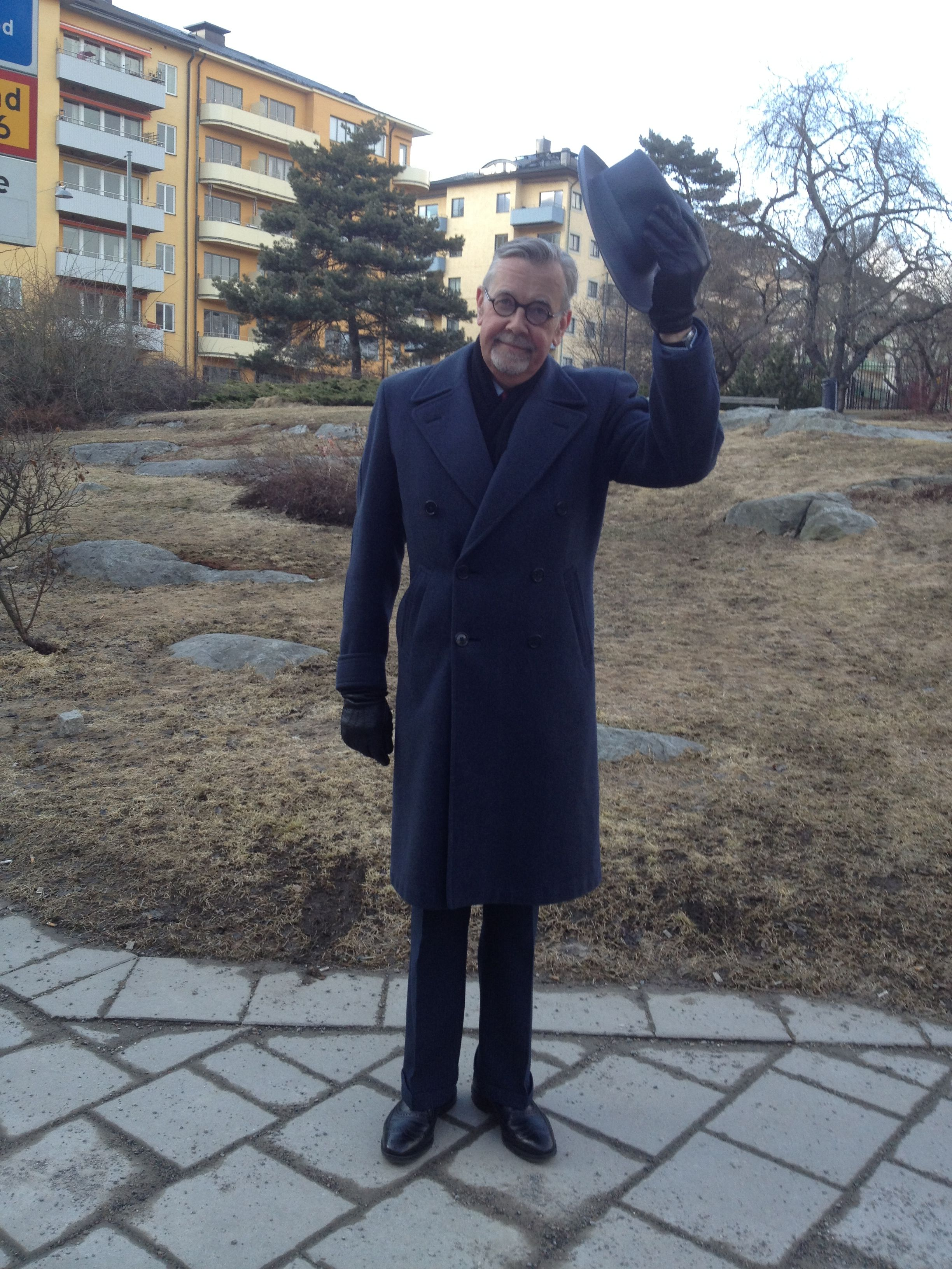 En äkta paletå från Karlstadsföretaget Örnkläder. 40-tal? (A. Marchesan) Hatten är ungefär lika gammal och från Frank Alaire & Co i New York.