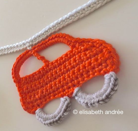 little cars in a row tutorial | Crochet patrones, Patrones y Llaveros