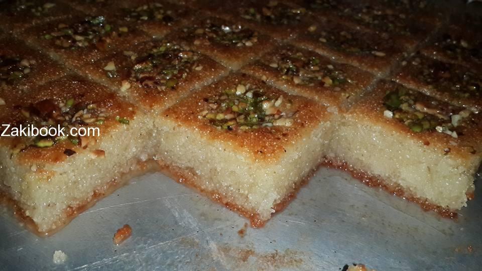هريسه باللبن والطعم لا يوصف زاكي Arabic Sweets Recipes Arabic Dessert Dessert Recipes