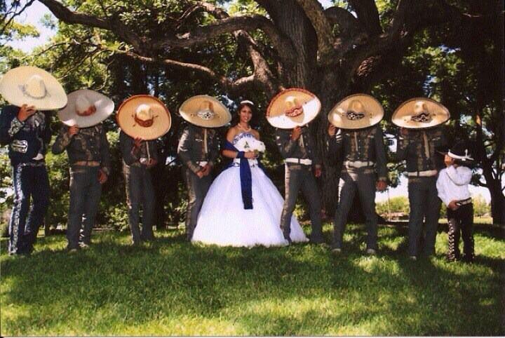 Vestido de quinceañera estilo charro | Dresses | Pinterest ...