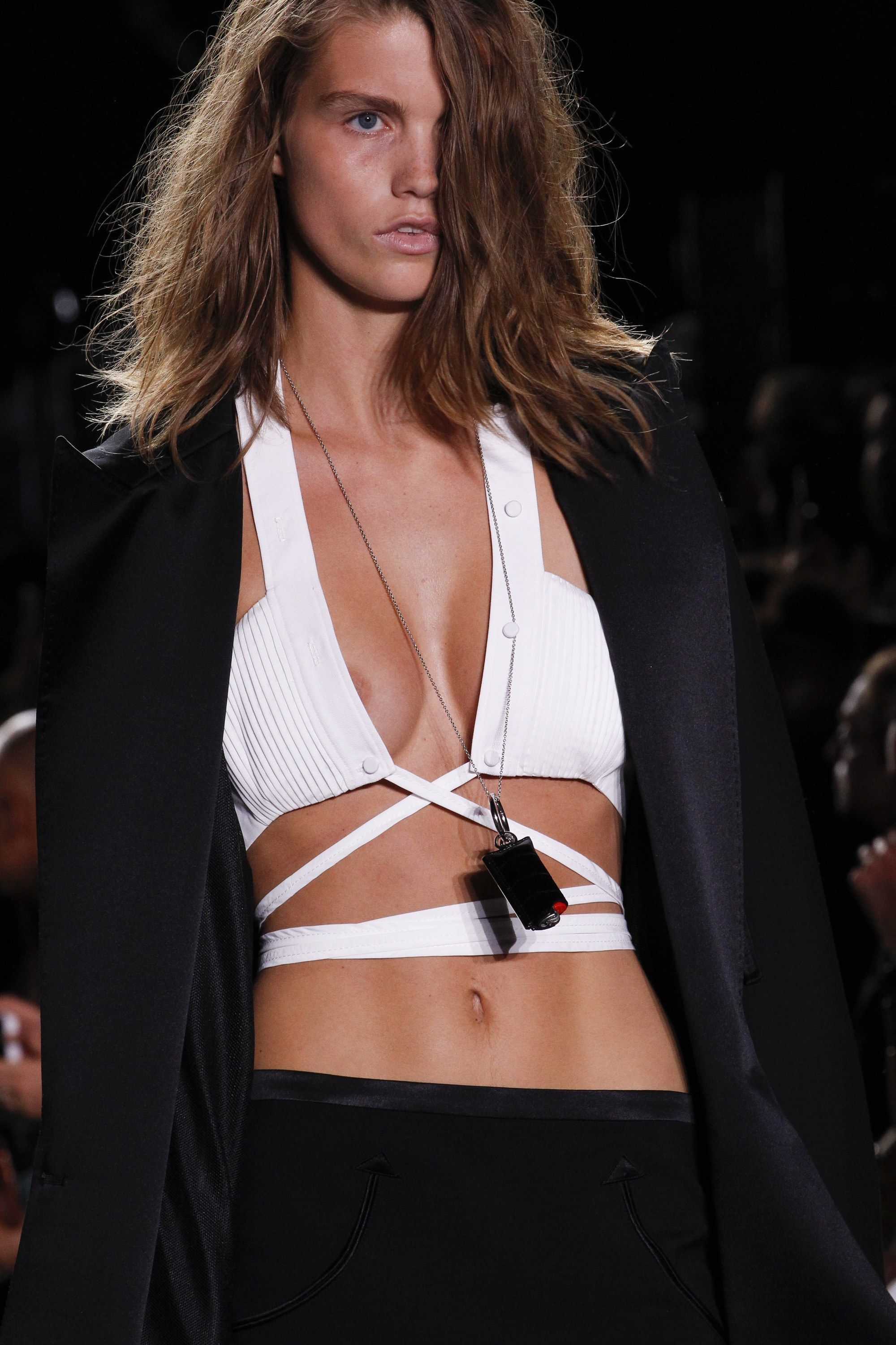 Alexander Wang Spring 2017 Ready-to-Wear Fashion Show Details @sommerswim