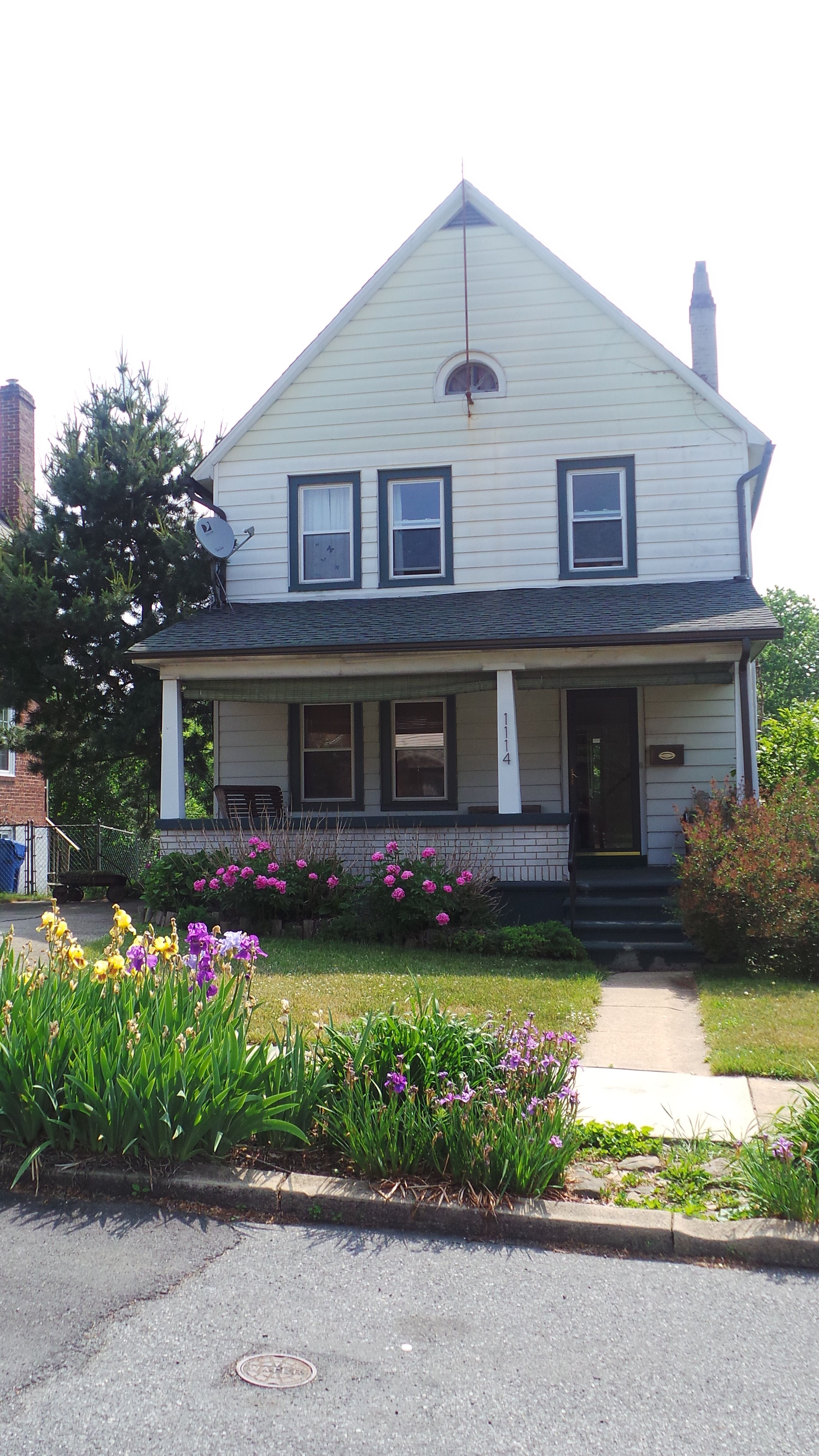 1114 Arcadia St Bethlehem Pa For Sale Powered By Postlets Colonial House Property Management Property