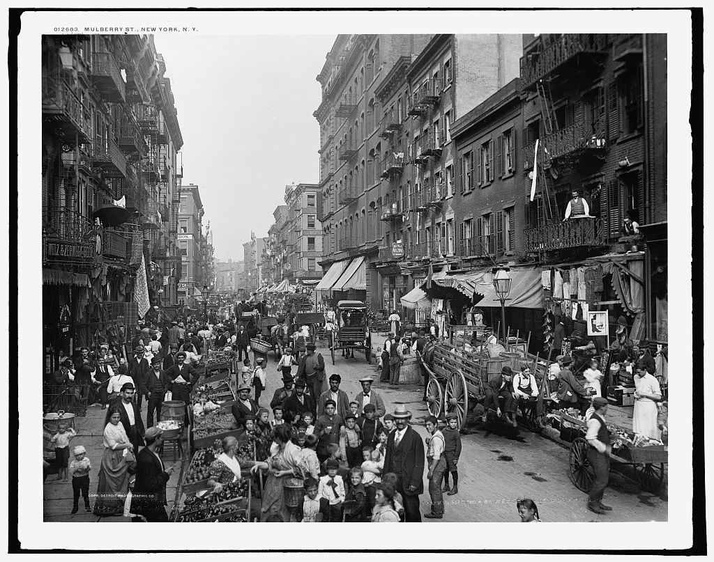Detroit Publishing Co. Mulberry St., New York, N.Y. c1900. Library of Congress.