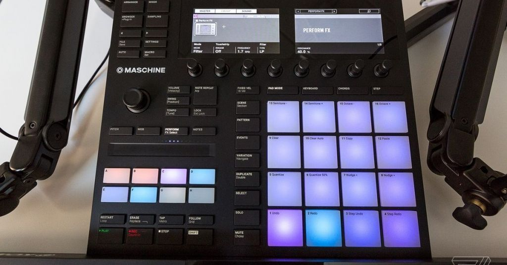 Native Instruments Maschine Mk3 Review An All In One Music Making Playground Native Instruments Maschine Instruments