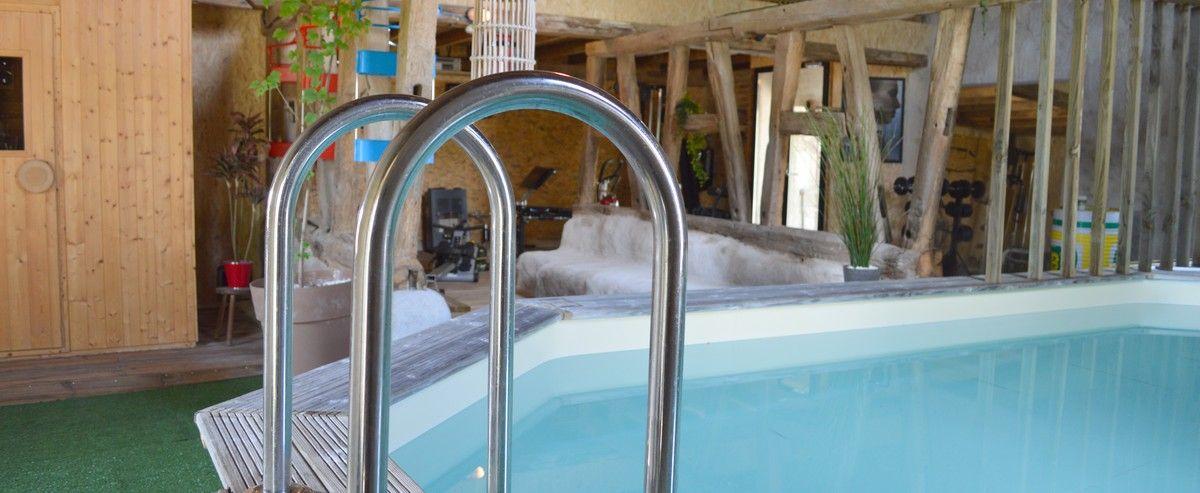 Espace Detente Chambres D Hotes Les Inattendus Allier Piscine Couverte Spa Sauna Spa Jacuzzi