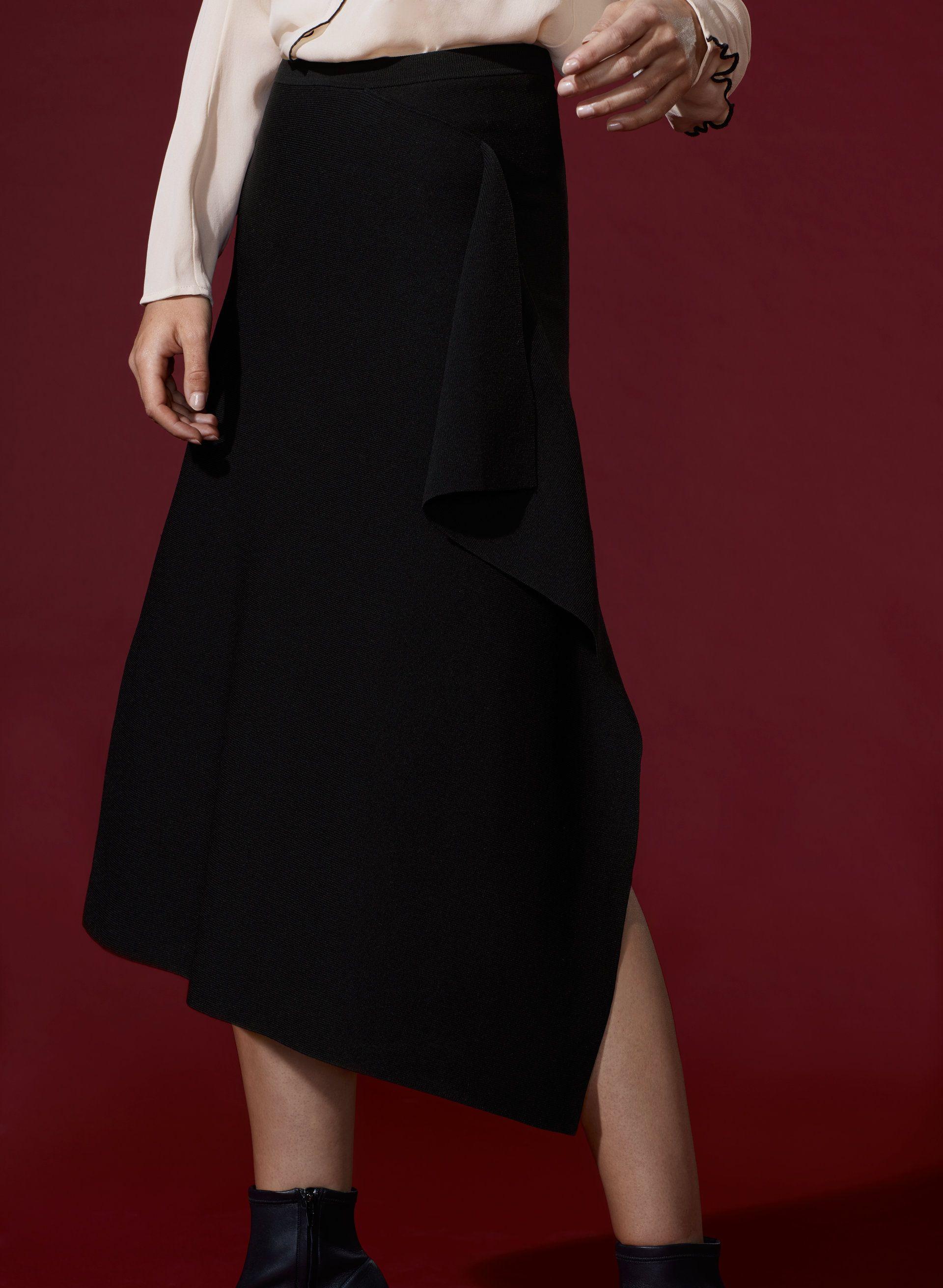 1 01 Babaton Pamella Skirt Aritzia Little Black Dress Black Dress Fashion [ 2623 x 1920 Pixel ]