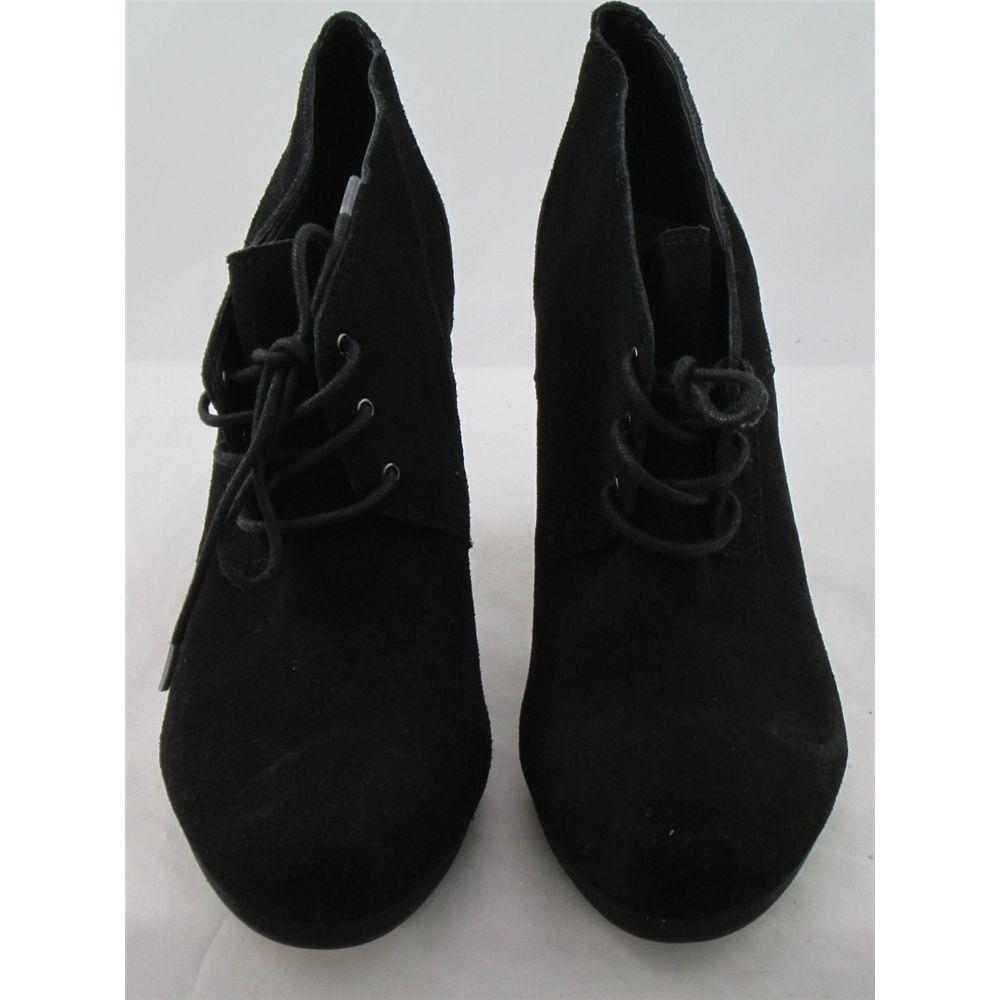 1fe8d6527f6 NWOT Footglove
