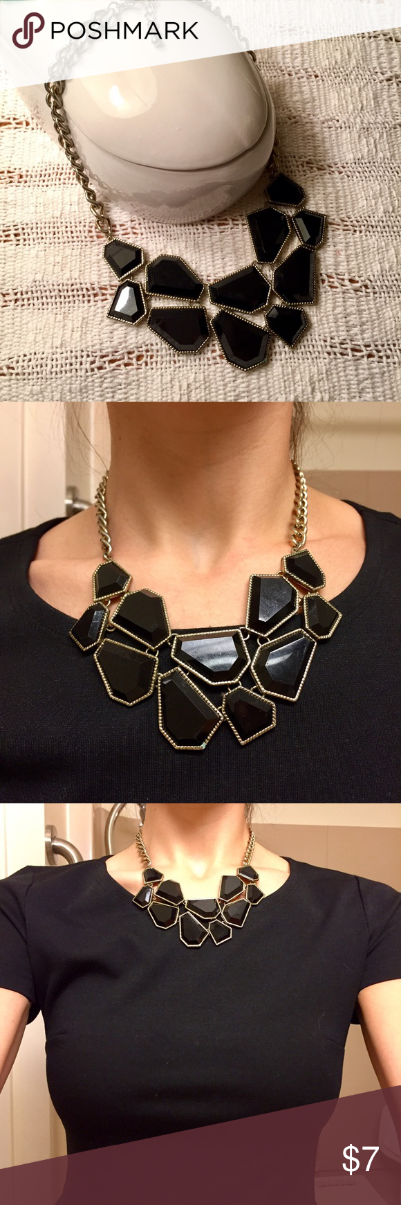 Black and gold statement necklace Purchased at F21 in Dubai, EUC Forever 21 Jewelry Necklaces