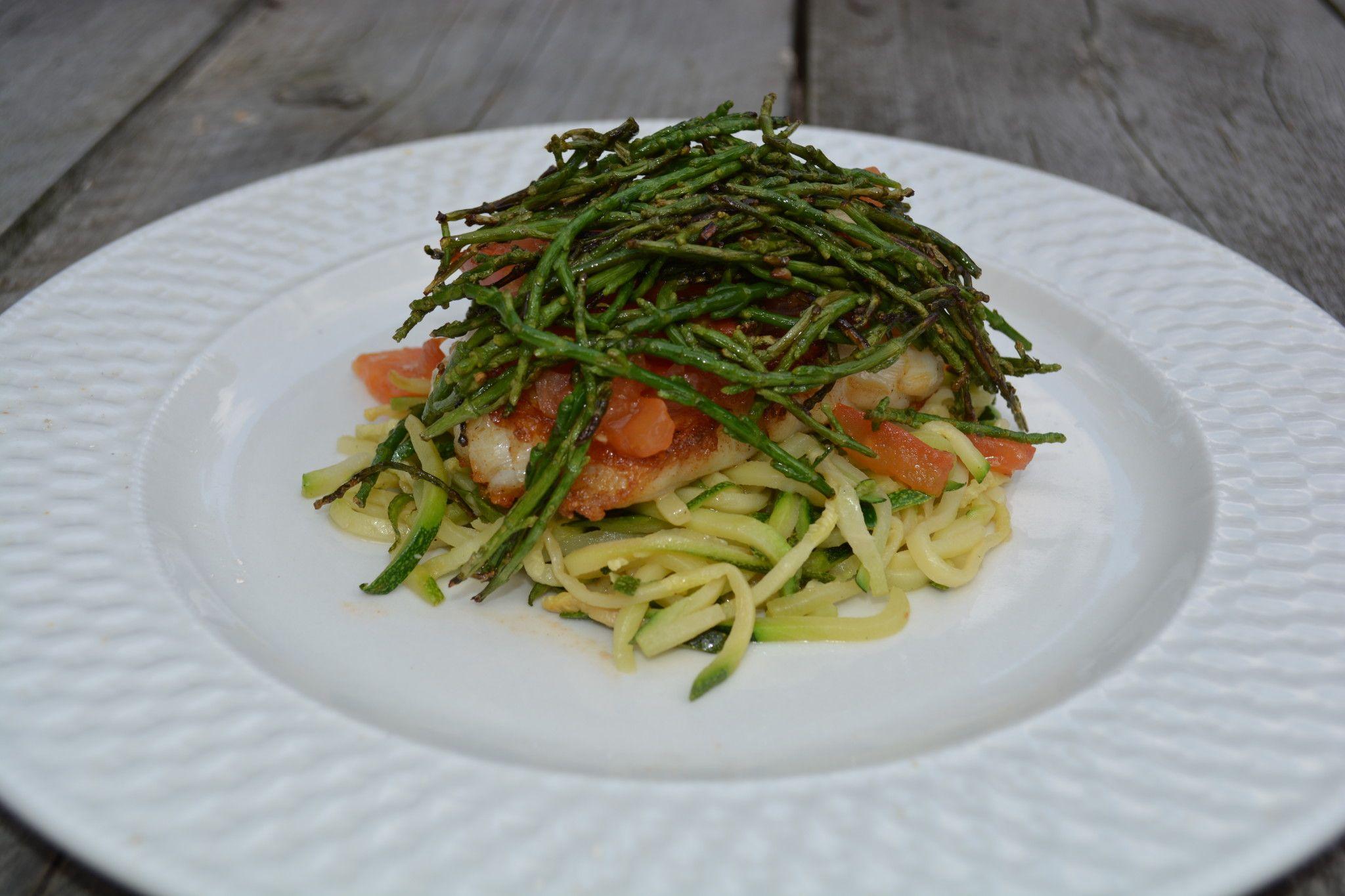 Een heerlijke lichte en gezonde maaltijd courgetti met zeekraal