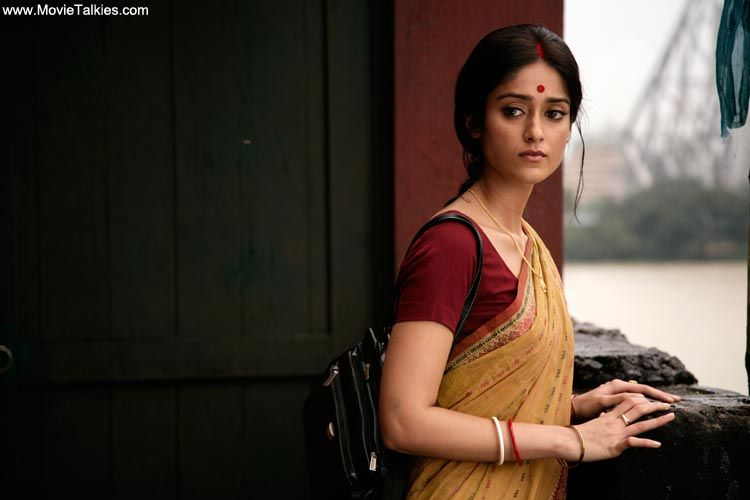 Google Image Result for  http://media.movietalkies.com/picturegallery/bollywood/movies/2012/barfi/barfi-2012-36b.…    Saree, Personal fashion stylist, Hollywood girls