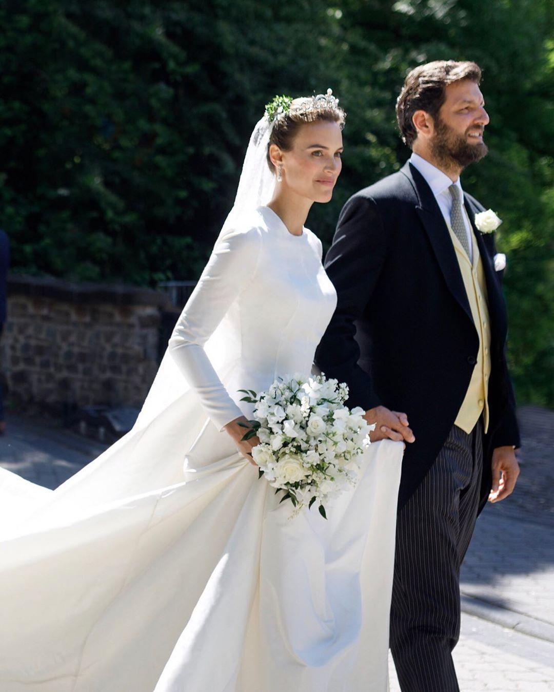 Jorge Acuna On Instagram Princess Alana Zu Sayn Wittgenstein Weddingdress By Jorgeacuna Famous Wedding Dresses Celebrity Bride Wedding Dresses [ 1348 x 1080 Pixel ]