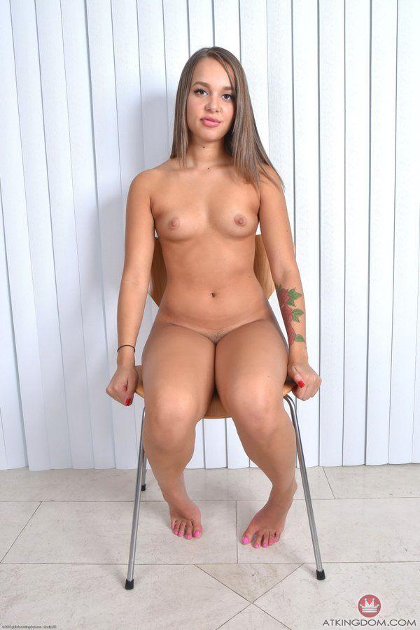 Liza rowe nude