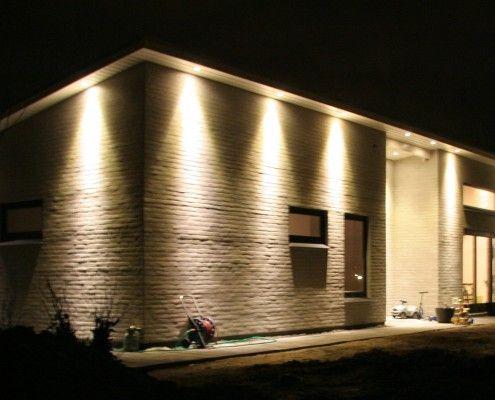 Velkommen Til Lystberg El Teknik Exterior House Lights Outside