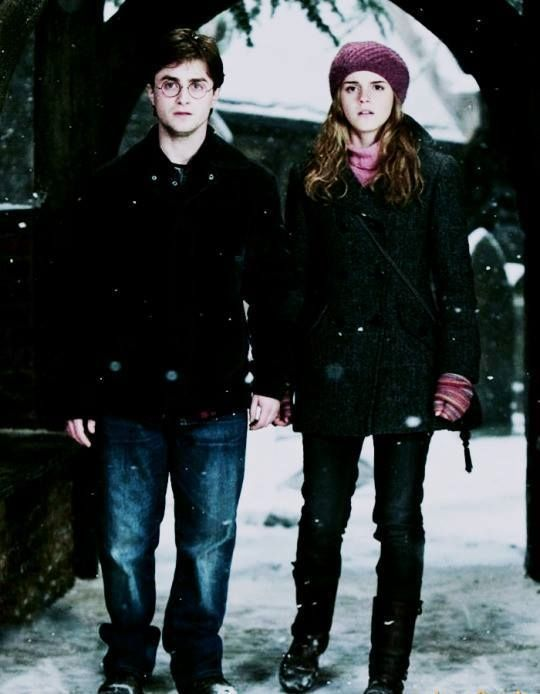 When I was little, I used to ship Harry & Hermione together  idk why