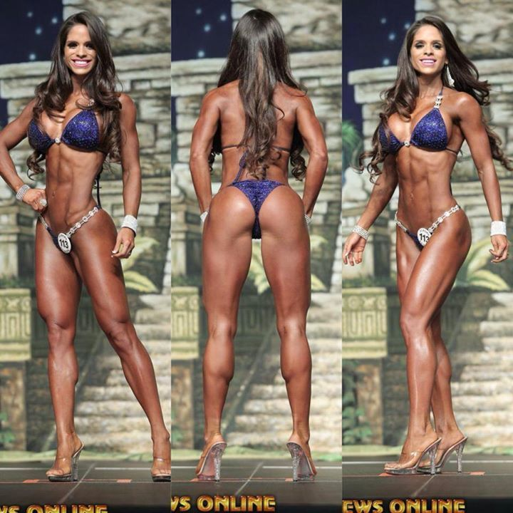 Michelle Lewin  nackt