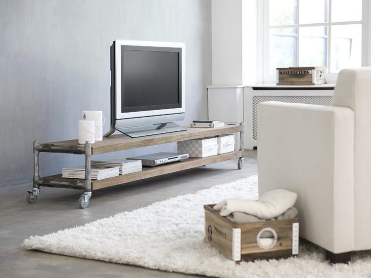 Industrieel mobiel tv meubel van teakhout met for Huiskamer opnieuw inrichten