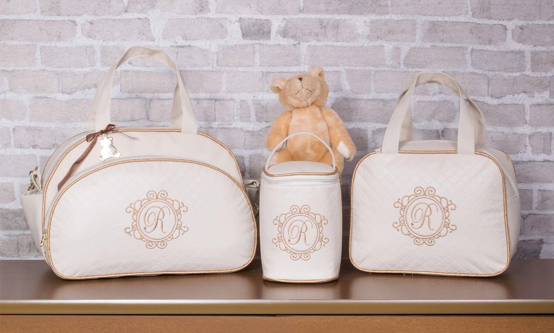 14580271a O Conjunto de Bolsas Maternidade Valência Inicial do Nome Personalizada  Marfim é um sucesso entre as