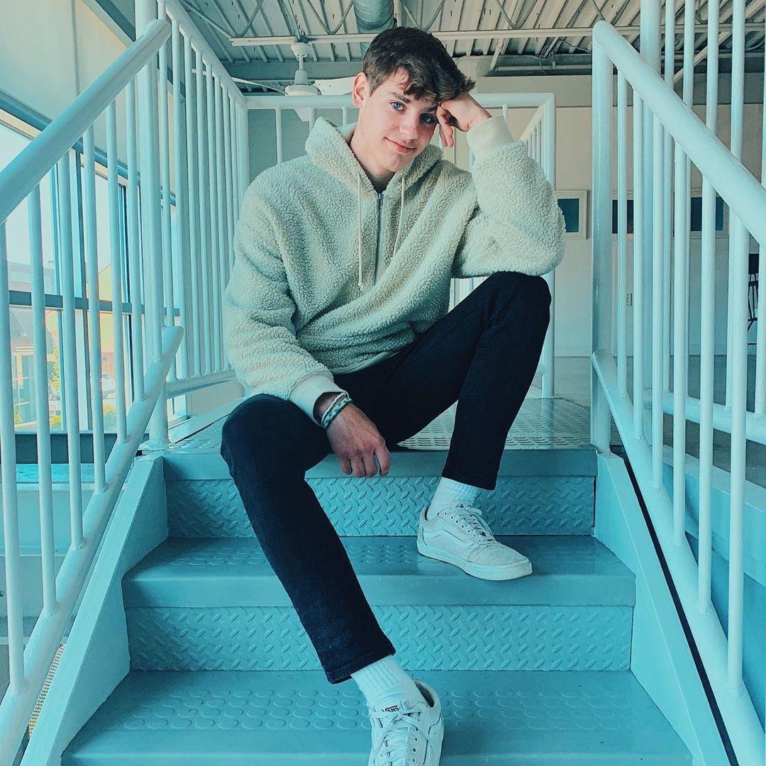 Tik Tok Tylerashtonn Tyler Zaryki Tylerashtonn En Instagram Meet Me In The Stairwell 3 Cute Boys Boys Cute Pictures