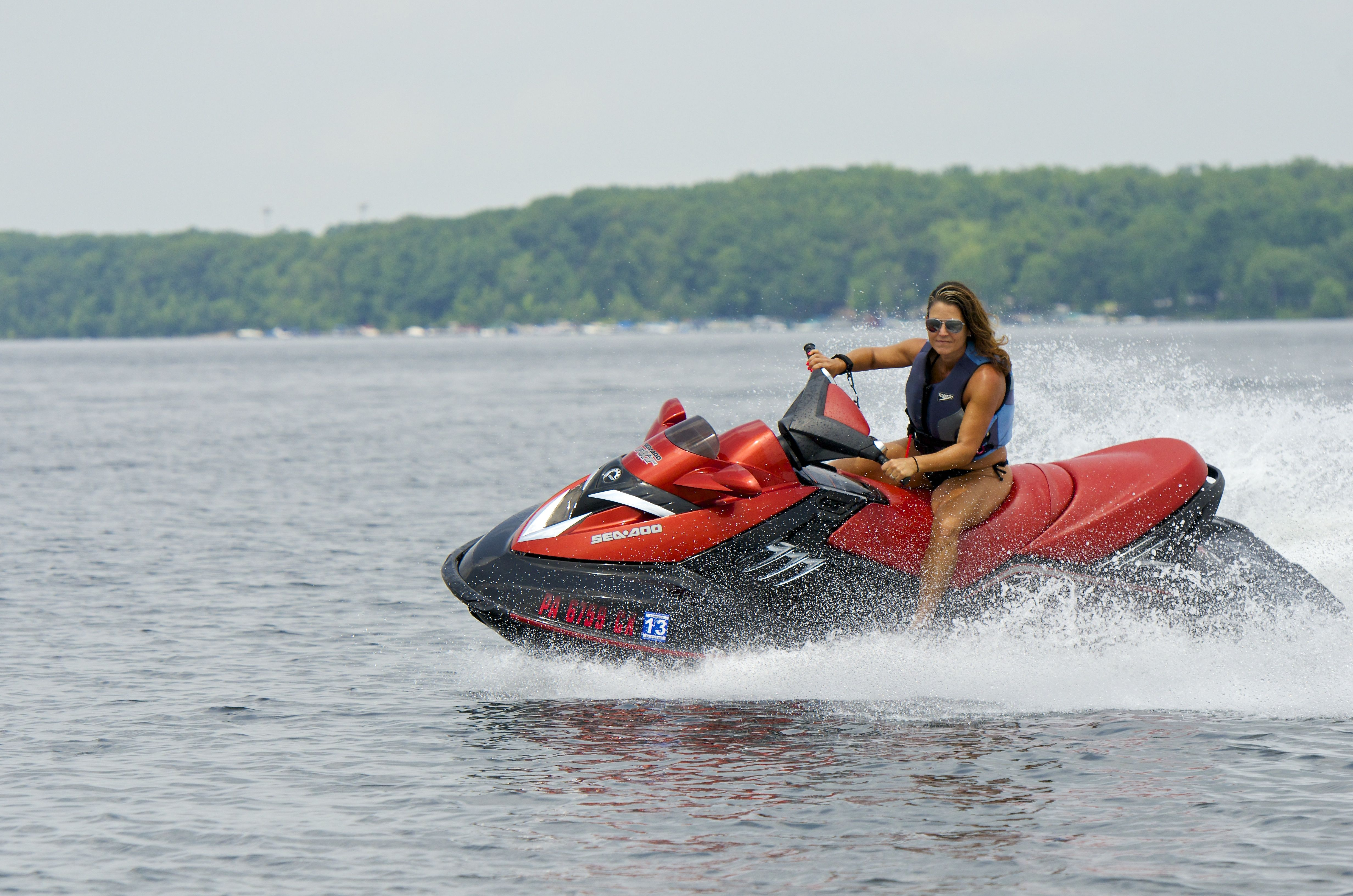 How Fast Can You Go Race Your Family And Friends On A Jet Ski On Lake Wallenpaupack In The Poconomtns Lake Wallenpaupack Boat Poconos