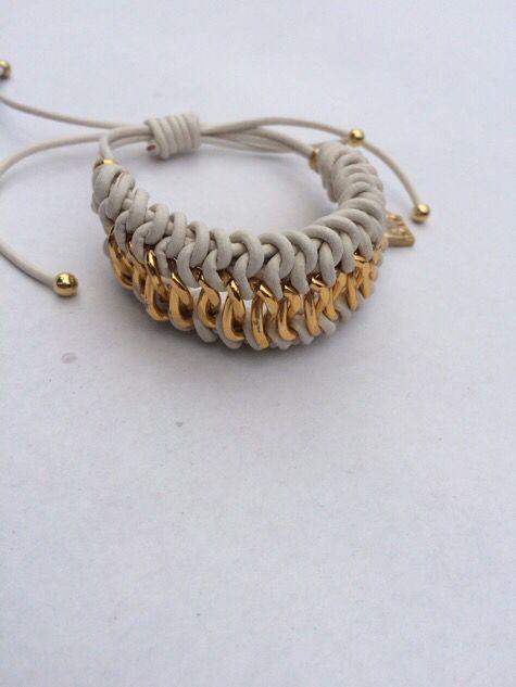 934c68479517 Pulsera cuero y cadena. Materiales Farfalla
