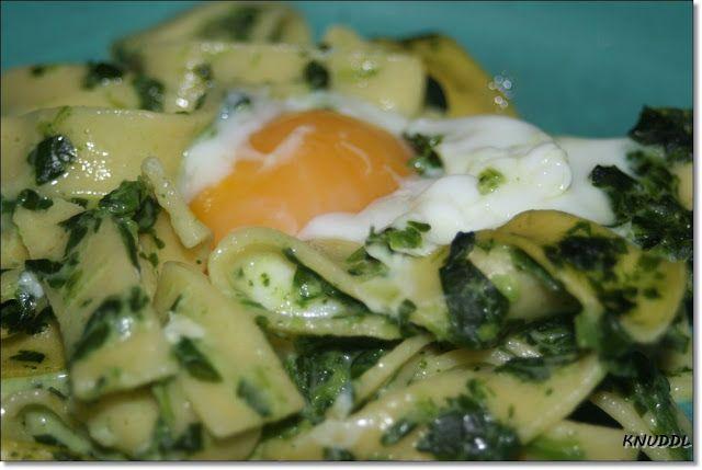 Was cookst Du heute: Nudelnester mit Ei -vegetarisch-