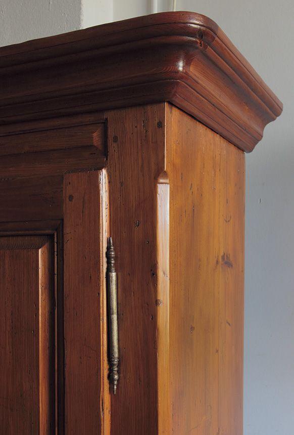 Armario suizo estilo rustico en madera de pino. Con dos puertas ...