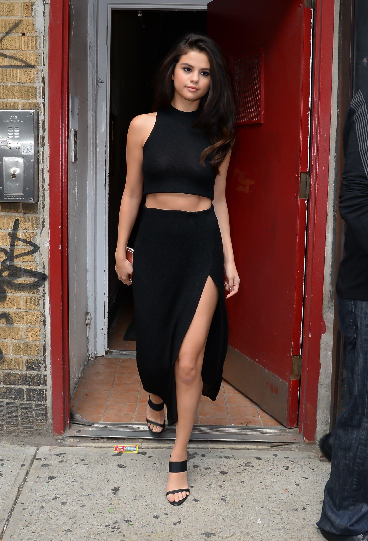 16 Best Celebrity Wardrobe Malfunctions - NSFW Celeb ...