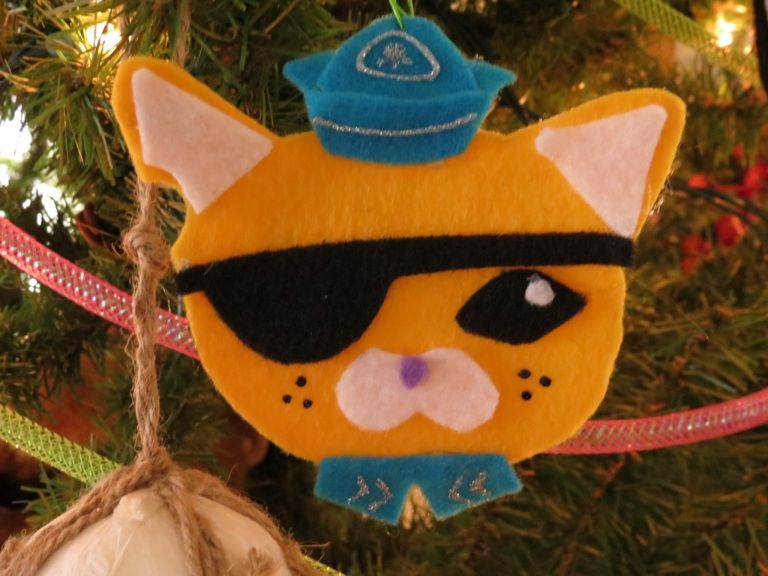 Let Kasey make an Octonaut ornament with pre-cut felt pieces? - Let Kasey Make An Octonaut Ornament With Pre-cut Felt Pieces