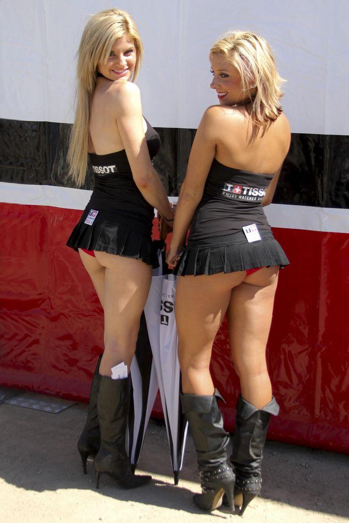 Картинки по запросу grid girls skirts
