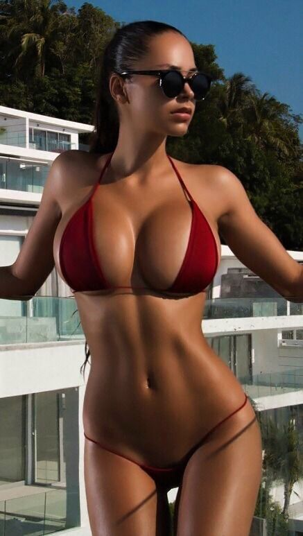 Full figure naked ladys