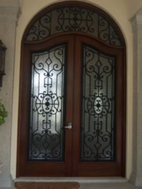 Puertas de forja puertas pinterest portones de forja for Puertas principales de forja