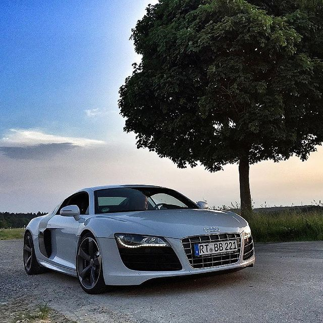 The 2014 Audi R8 V10 can hit 60 mph in just 3.4 seconds, when fitted ...