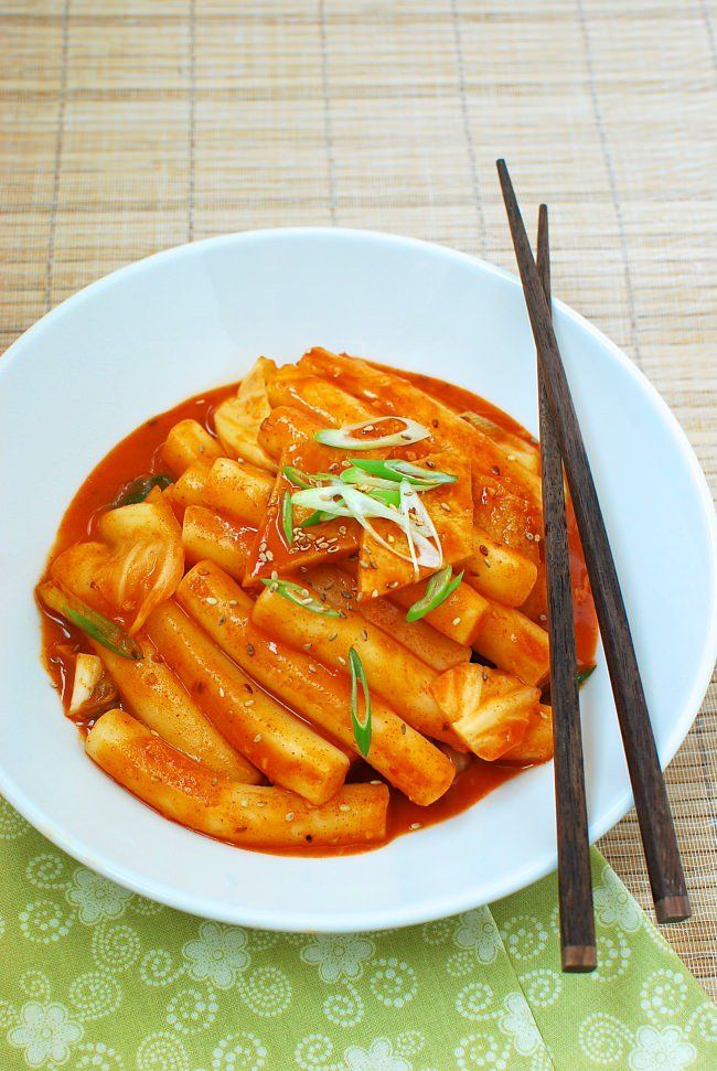 Tteokbokki Spicy Stir Fried Rice Cakes Recipe Food Spicy Recipes Tteokbokki