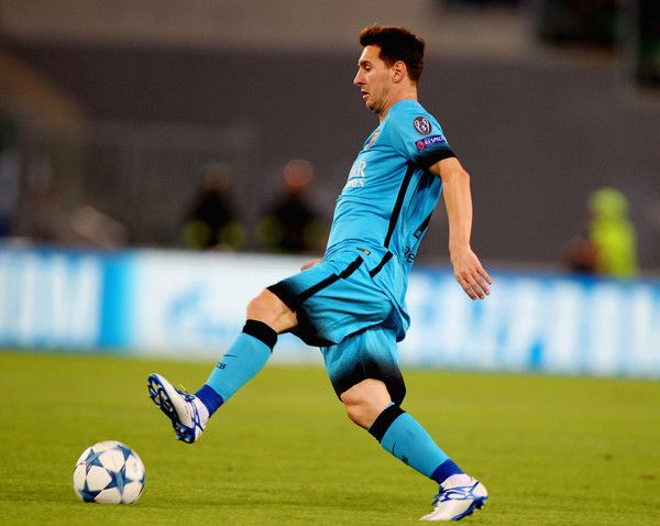 Lionel Messi of FC Barcelona in action during the UEFA Champions League  Group E match between