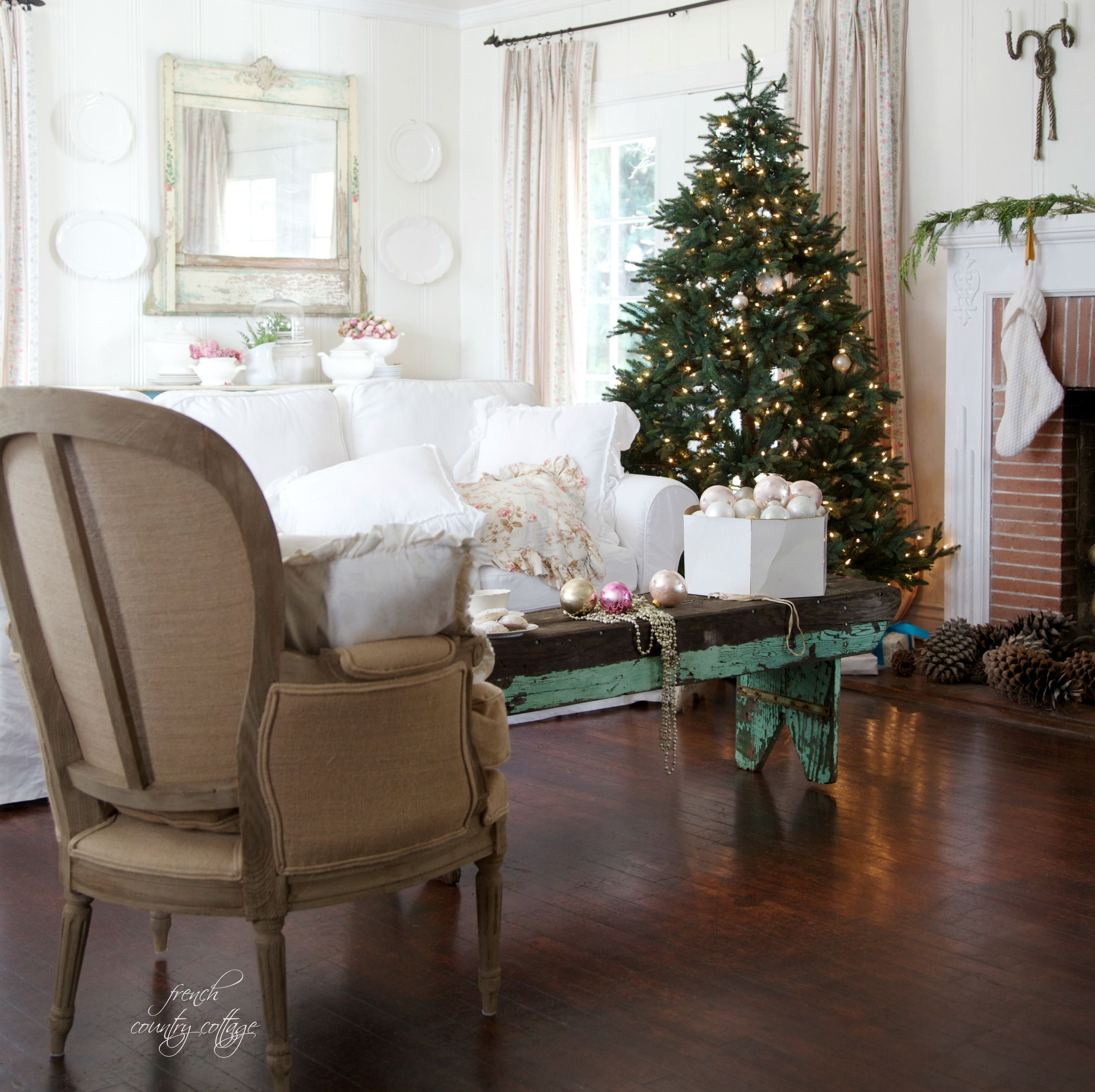 so elegant and refined a french country cottage christmas