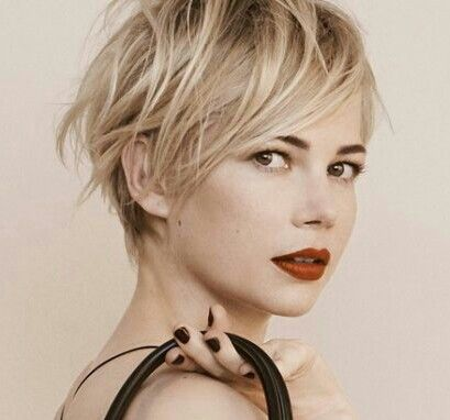 Michelle Williams pour Louis Vuitton coupe courte