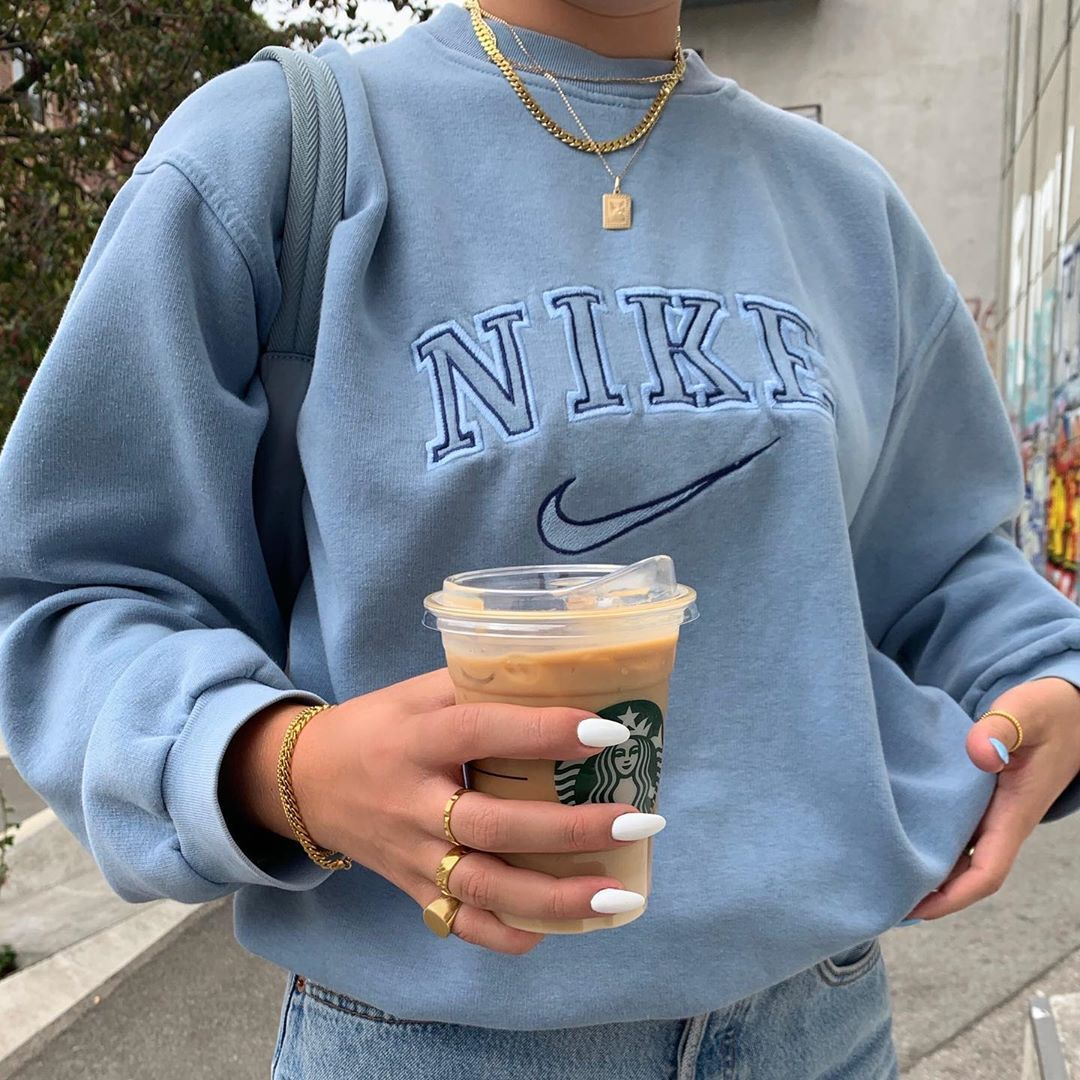 9 175 Begenme 34 Yorum Instagram Da Barbara Kristoffersen Barbarakristoffersen I Just Really Vintage Nike Sweatshirt Retro Outfits Cute Casual Outfits [ 1080 x 1080 Pixel ]