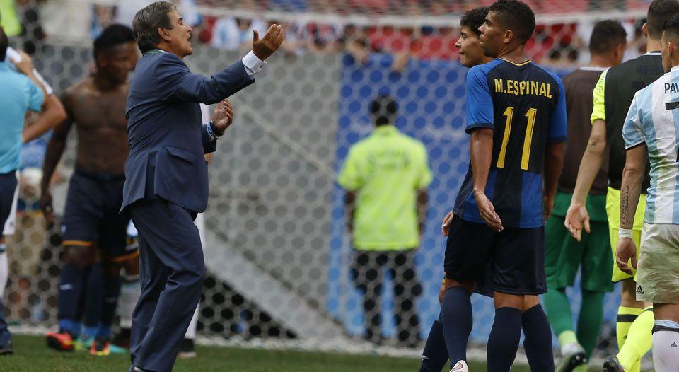 Pinto se mostró muy satisfecho con el rendimiento de su equipo después de empatar ante Argentina y avanzar a los cuartos de final de los Juegos Olímpicos de Río de Janeiro. (CORTESÍA DE DIARIO DIEZ)