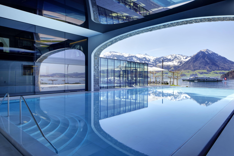 Der pool im park hotel vitznau schweiz wellness schweiz