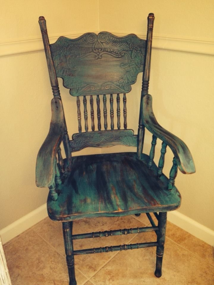 Love this look! Experimented with a $2 garage sale chair. This is how it came out.