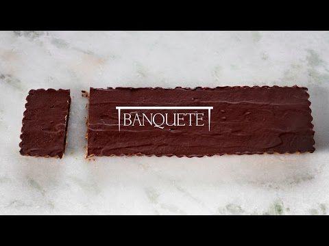 Torta de Chocolate com Castanhas e Caramelo - Projeto Banquete